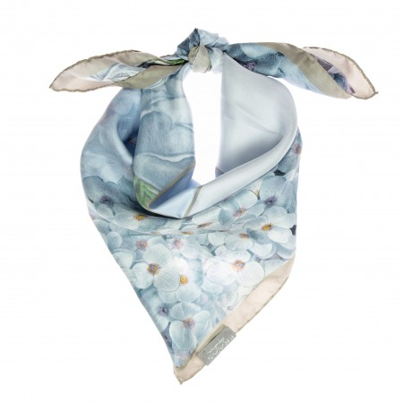 Nickituch Floralprint hellblau